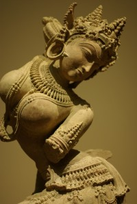 Uttar_Pradesh_Apsara-685x1024